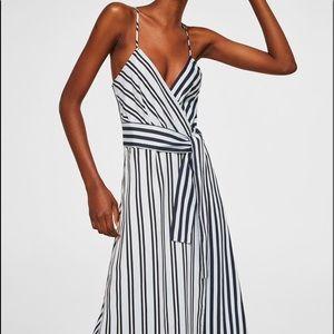 Midi stripped dress.